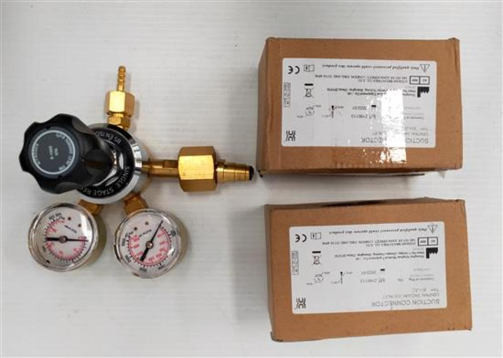 A single stage regulator & two suction adaptors type A