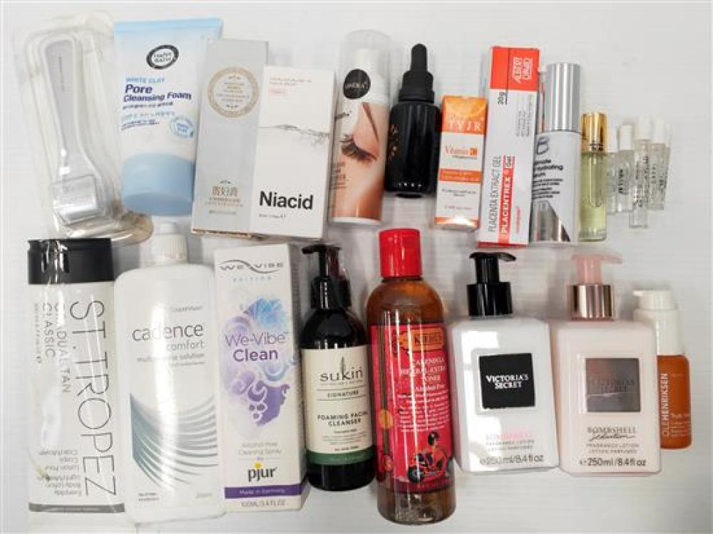 A bag of assorted beauty products incl Sukin & VS etc