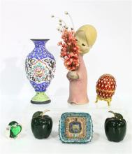 A Collection of Trinkets (7),