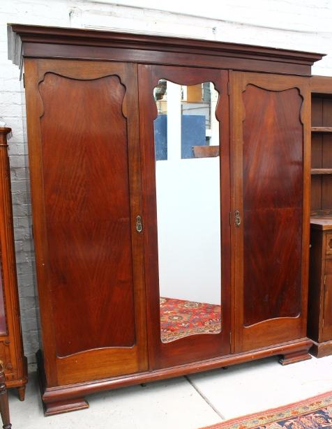 A Substantial C 1930 Fitted Robe In Queensland Maple