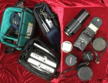 [Video Camera + SLR Lenses] A TEAC Mobile Video & Two Screens, original bag + A Sony Handycam Vision Video 8 Camera, spare tapes & b...