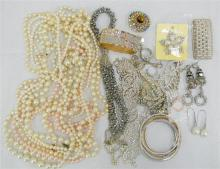A bag of Glitz & Glam Jewellery, incl. Bangles, Rings & Necklaces etc.