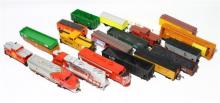 OO Scale Model Electric Trains, Trams & Carriages [30],