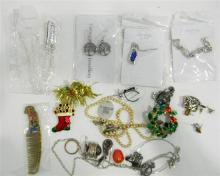 A collection of costume jewellery incl. necklaces, brooches, rings etc.