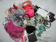 A bag of assorted costume jewellery