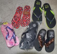 Five pairs assorted thongs marked Havaianas, Rip Curl etc.