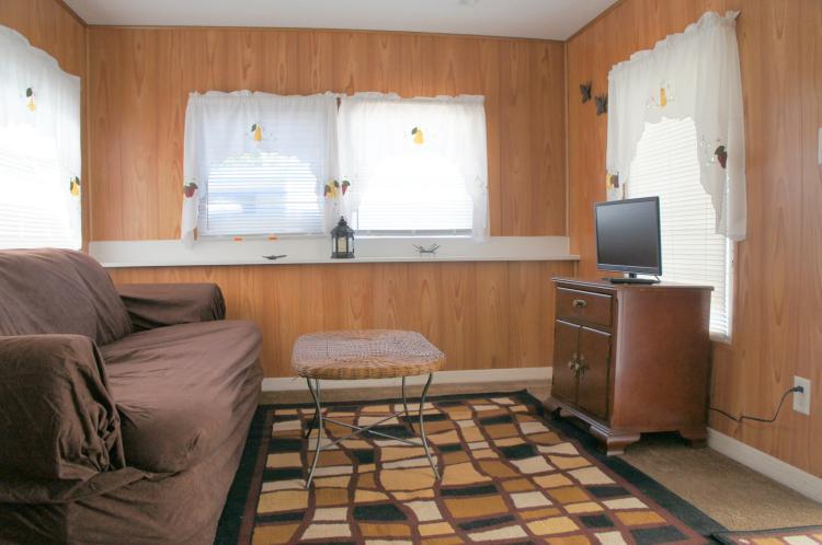 Lot 27: UNIT 27 1 BEDROOM, 1 BATH