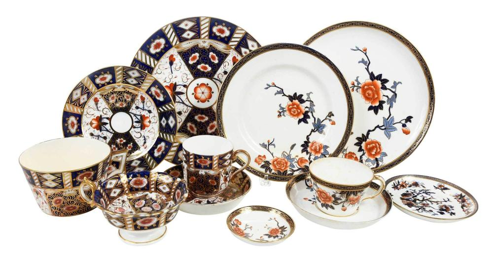 Assembled British Imari Porcelain Dinner Service