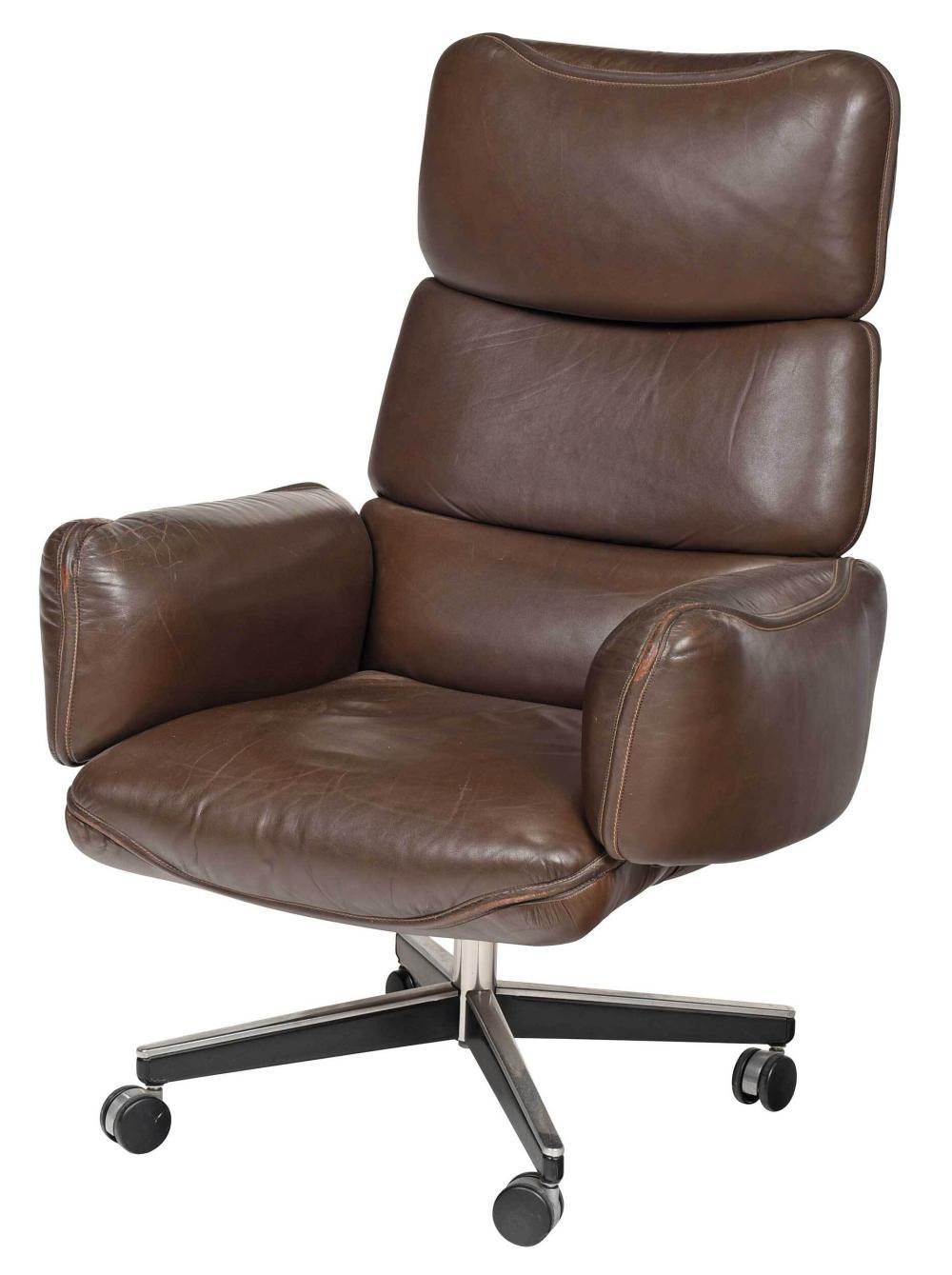 A Knoll Leather Executive Desk Chair