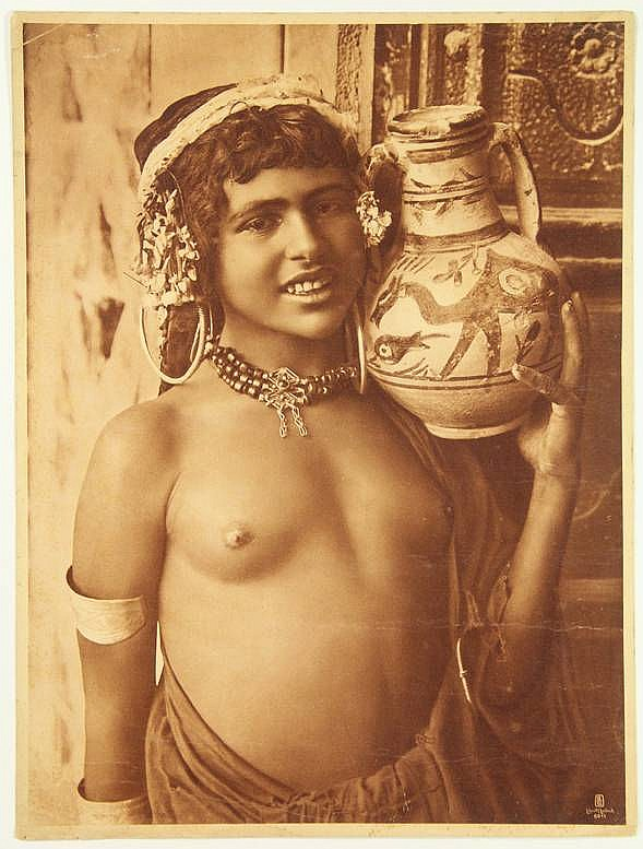 Pc cpa ethnic nude female bedouin type, africa vintage postcard
