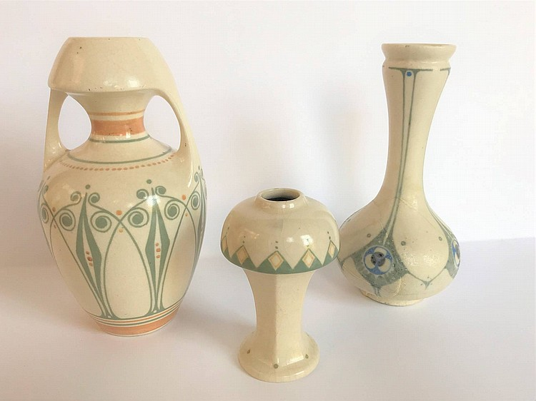 vase de decoration De Distel. Vase, amphora with ornamental decoration in grey and ochre on  ivory ground