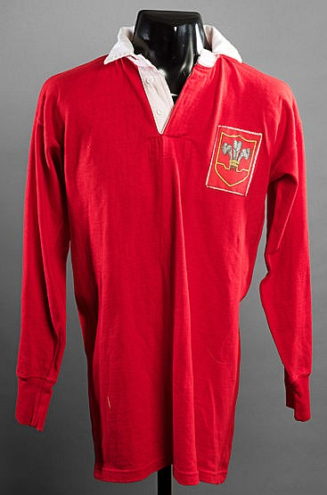 Kel Coslett red Wales No.13 Rugby League international shirt,  long-sl