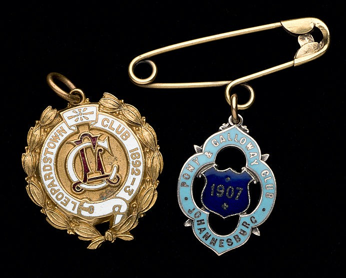 A Leopardstown Race Club member's badge 1892-93,  gilt-metal & white e