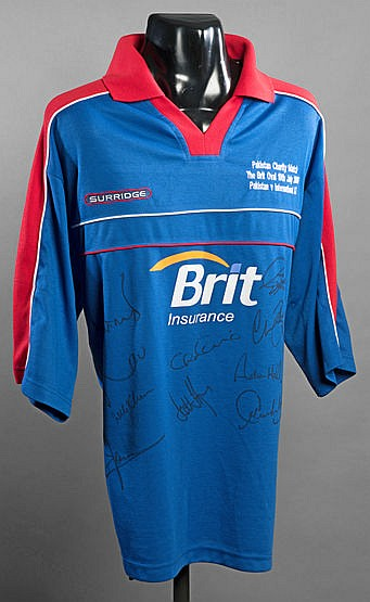 International Cricket XI signed shirt from the Charity Match v Pakista