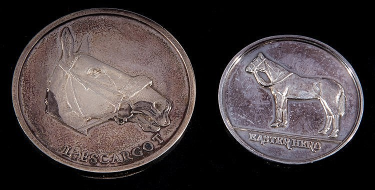 Rare hallmarked silver medallion struck with portraits of Easter Hero