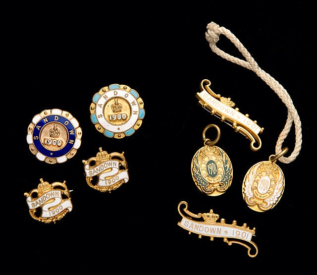 Eight Sandown Park badges for the years 1900 & 1901, Two groups of Sa