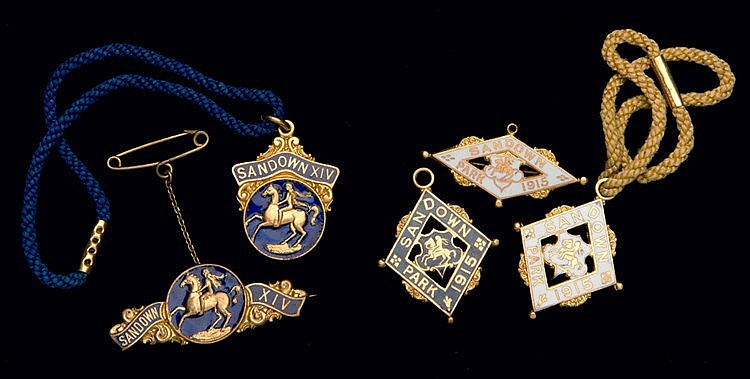 Two groups of Sandown Park badges, for the years 1914 & 1915,  1914: a
