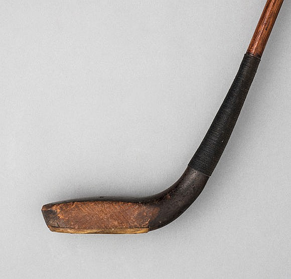 Tom Morris of St Andrews long-nosed putter circa 1895, beech head, or