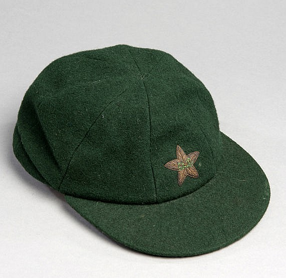Asif Iqbal Pakistan cricket cap, dark green with gilt-wire star Prove