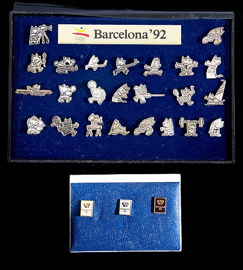 1992 Barcelona Olympic Games set of 24 Cobi mascot silvered pins,  sol