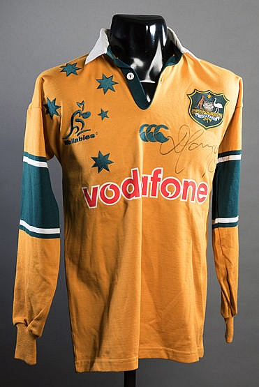 David Campese signed Australia replica rugby shirt, signature in blac