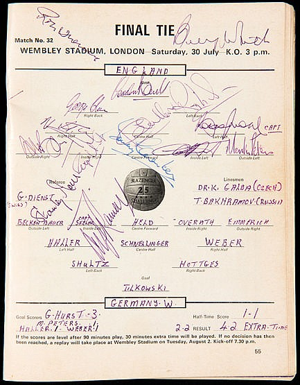 1966 World Cup tournament programme fully signed by the 11 England fin
