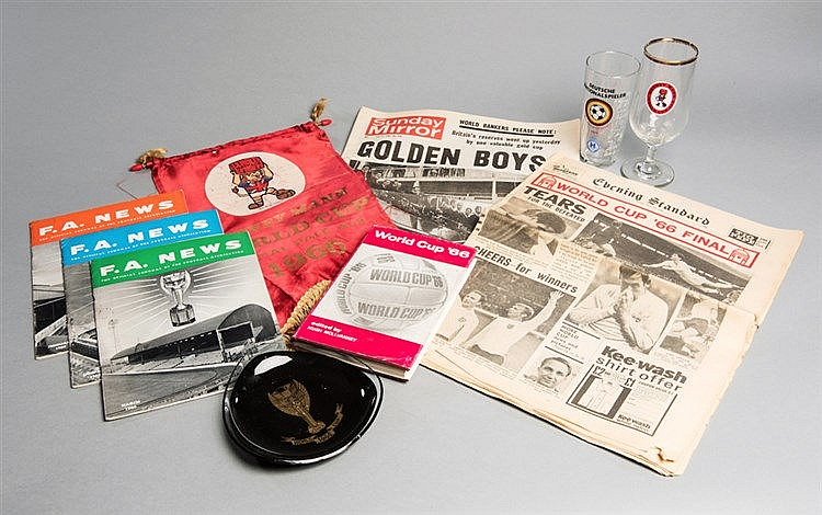 1966 World Cup memorabilia,  World Cup Willie Watney's Red Barrel penn