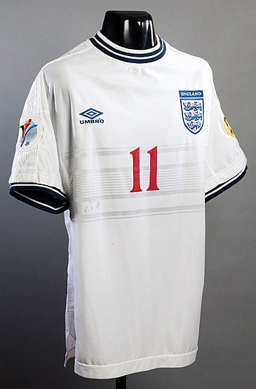 Steve McManaman England No.11 Euro '96 jersey,  short-sleeved, competi
