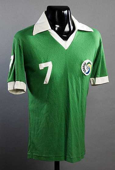 Dennis Tueart Cosmos No.7 jersey from the 1978 Championship season, g