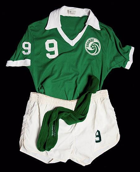 Giorgio Chinaglia full Cosmos playing kit worn in the NASL Championshi