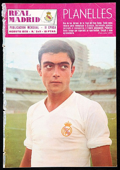 A collection of 14 Real Madrid monthly magazines 1970/71, plus Review