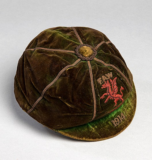 Wales international football cap 1914,  inscribed FAW, 1914