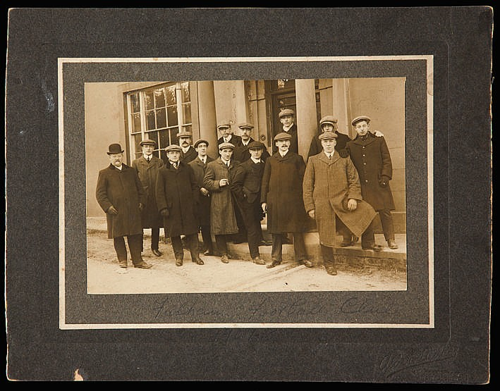 An original photograph of the Fulham football team 1907-08, matted 4