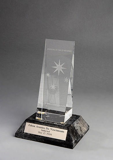 Pele 1999 New Jersey Sports Hall of Fame Induction Trophy, a trophy i