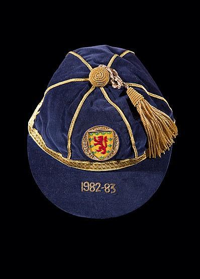 Frank Gray Scotland international football cap 1982-83, Provenance: B
