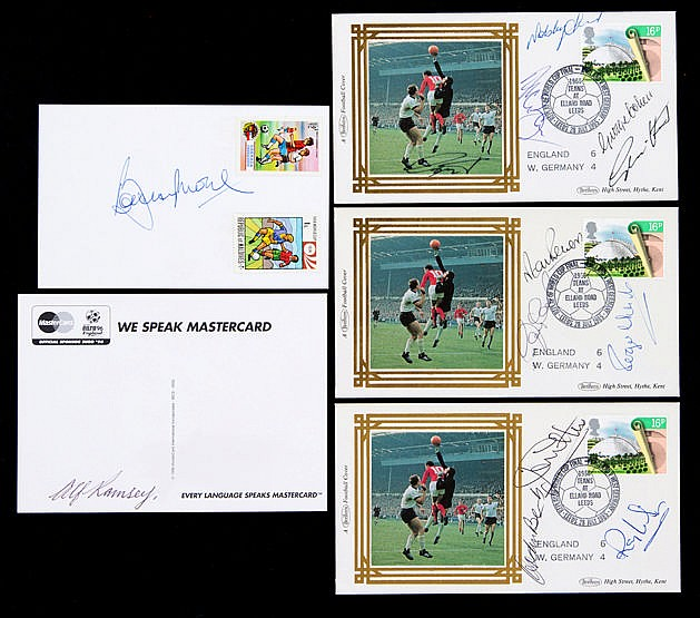 A full set of autographs of the 11 England World Cup Final winning pla