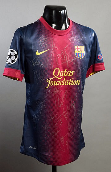Pedro: a squad-signed Barcelona No.17 Champions League home jersey 201