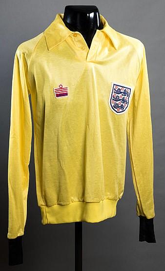 Peter Shilton yellow England goalkeeping jersey circa 1980, admiral,
