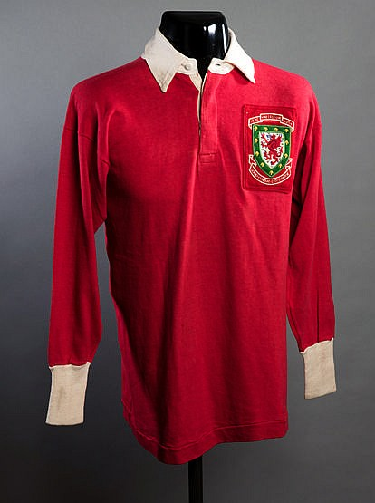 Trevor Ford red Wales No.9 shirt from the match v the Rest of the Unit