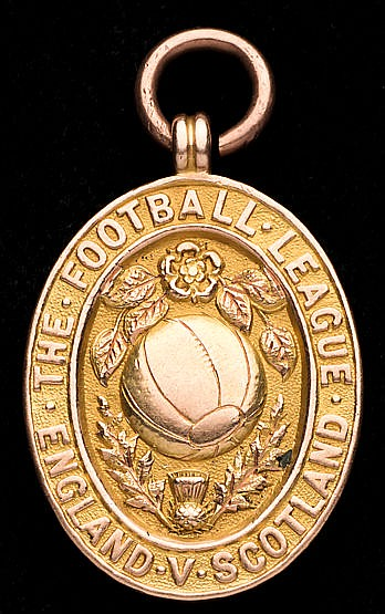 Harry Makepeace Football League representative medal 1909-10, 15ct. g