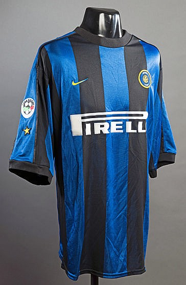Christian Vieri blue & black striped FC Inter No.32 jersey, short-sle