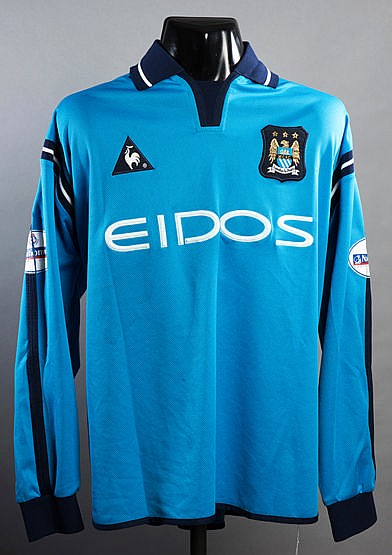 Shaun Wright-Phillips: a match-worn sky blue Manchester City No.29 jer