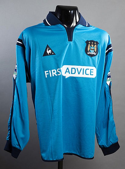 Nicolas Anelka sky blue Manchester City No.39 jersey season 2002-03,