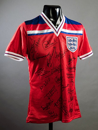 Squad-signed Terry McDermott red England No.10 1982 World Cup jersey,