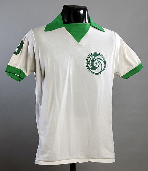 Giorgio Chinaglia Cosmos No.9 daily practice shirt worn during the 197