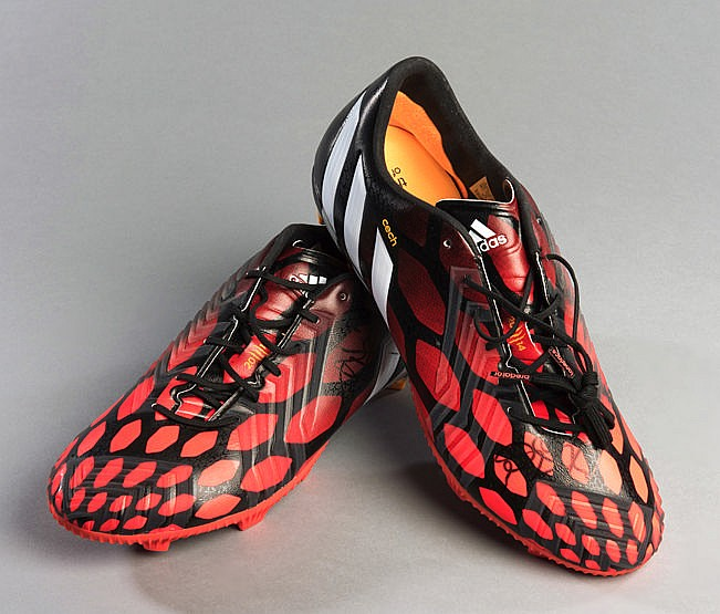 Petr Cech signed football boots, red & black Adidas Predator web patt