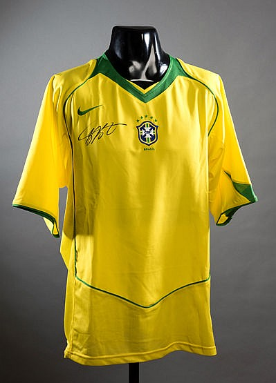 Kaka signed Brazil replica jersey, signed in black marker pen