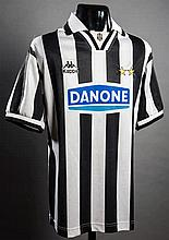 Roberto Baggio: a black & white striped Juventus No.10 match-issued jersey circa 1994