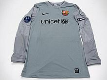 Victor Valdes: a grey Barcelona No.1 UEFA