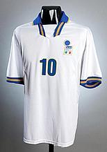 Allesandro Del Piero: a white Italy No.10
